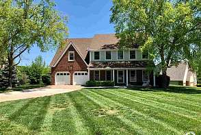 4404 Turnberry Dr Lawrence, KS listing photo #2