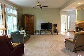 4805 Normandy Park St Lawrence, KS listing photo #2
