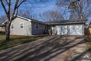 1834 W 27th Ter Lawrence, KS listing photo #3