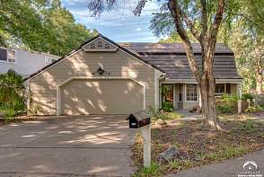 314 Woodlawn Place Lawrence, KS listing photo #1