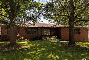 2202 Westchester Rd Lawrence, KS listing photo #3