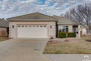1547 Fountain Dr Lawrence, KS listing photo #3