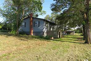19679 13th St Lawrence, KS listing photo #3