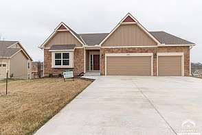 3810 Daylily Ct Lawrence, KS listing photo #1