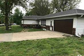 133 Oak St. Nortonville, KS listing photo #3