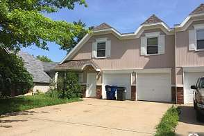 1404 Brighton Lawrence, KS listing photo #1