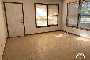 1404 Brighton Lawrence, KS listing photo #2