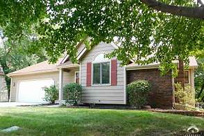4128 Wimbledon Drive Lawrence, KS listing photo #1
