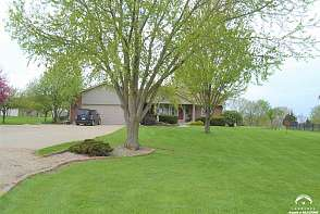 2131 SW Auburn Road Topeka, KS listing photo #2