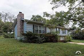 3228 W 9th St Lawrence, KS listing photo #2