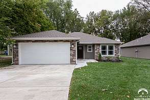 776 Maple Street Lawrence, KS listing photo #2