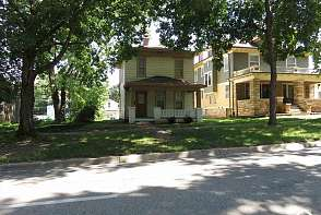 1016 Tennessee Lawrence, KS listing photo #2