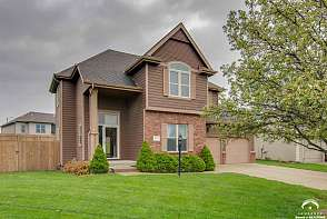 5200 Stonecreek Court Lawrence, KS listing photo #1