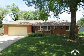1628 W 21st Terr. Lawrence, KS listing photo #1
