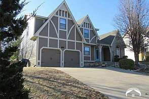 2204 Rodeo Dr Lawrence, KS listing photo #1