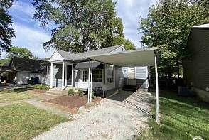 2128 Tennessee Lawrence, KS listing photo #1