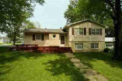 730 Shelburn Pl, Lawrence, KS 66046