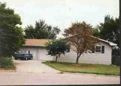 802 Crawford Dr, Lawrence, KS 66049