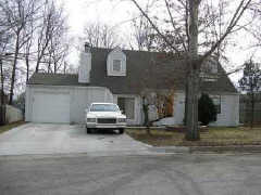 324 Clayton Ct, Lawrence, KS 66049