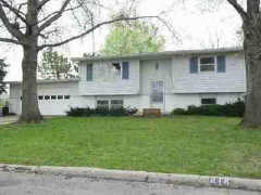 414 Yorkshire Dr, Lawrence, KS 66049